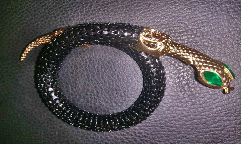 гривна змия